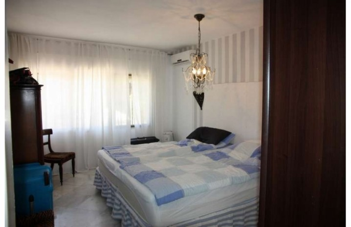 Villa With A Double Plot in Marbella - 11 - homeandhelp.com