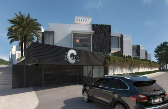 Luxurious Townhouse In Estepona - 7 - homeandhelp.com