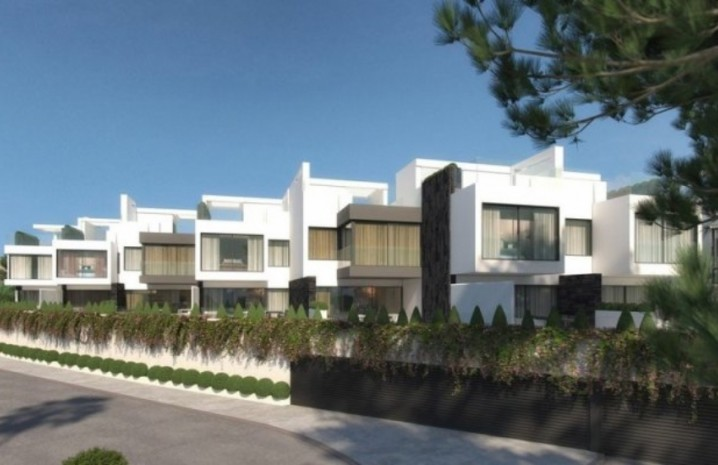 Luxurious Townhouse In Estepona - 2 - homeandhelp.com