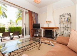 Townhouse In Bahia De Marbella - homeandhelp.com