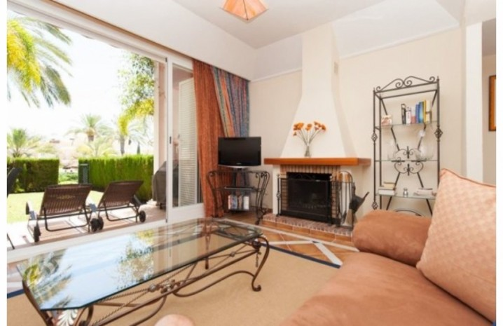 Townhouse In Bahia De Marbella - 1 - homeandhelp.com
