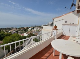 Townhouse In Torremar With Sea Views - homeandhelp.com