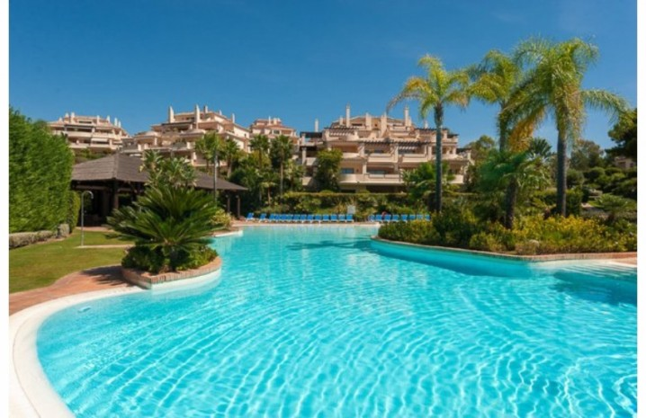 Duplex Penthouse In Benahavis - 3 - homeandhelp.com
