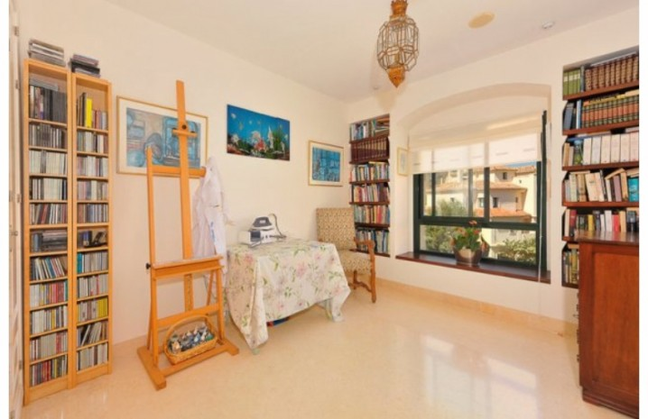 Duplex Penthouse In Benahavis - 6 - homeandhelp.com