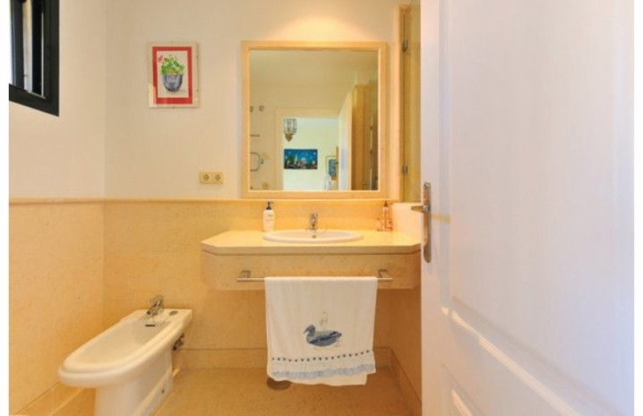 Duplex Penthouse In Benahavis - 8 - homeandhelp.com