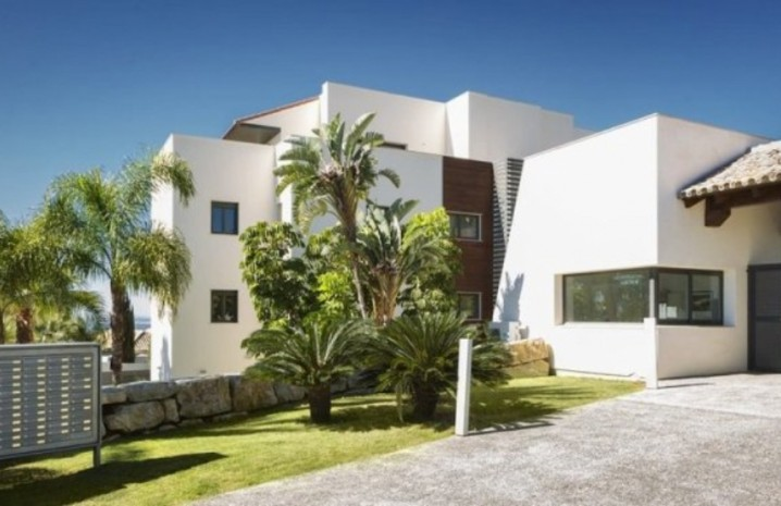 Luxurious Penthouse In Benahavis - 2 - homeandhelp.com