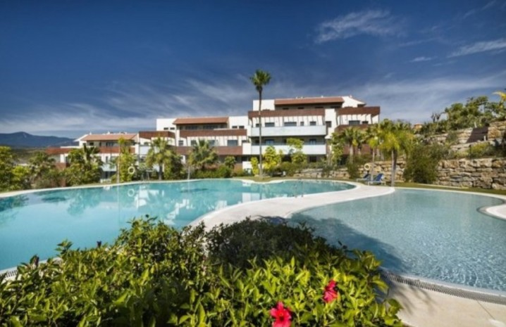 Luxurious Penthouse In Benahavis - 7 - homeandhelp.com