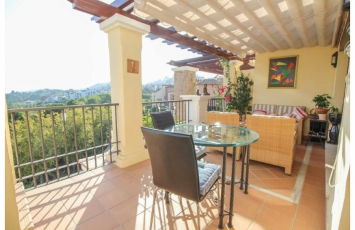 Frontline Golf Penthouse In Benahavis - 4 - homeandhelp.com