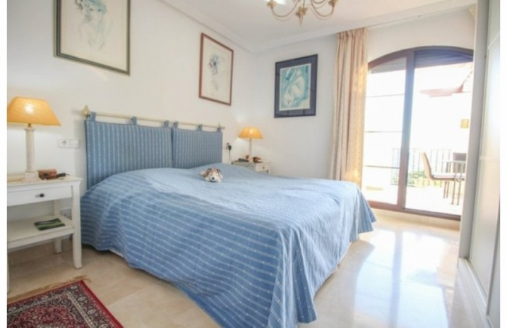 Frontline Golf Penthouse In Benahavis - 13 - homeandhelp.com