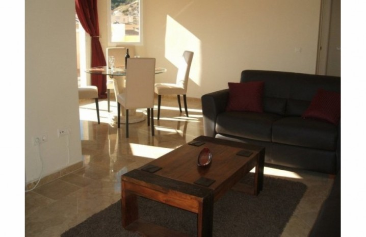 Penthouse In Calahonda - 2 - homeandhelp.com