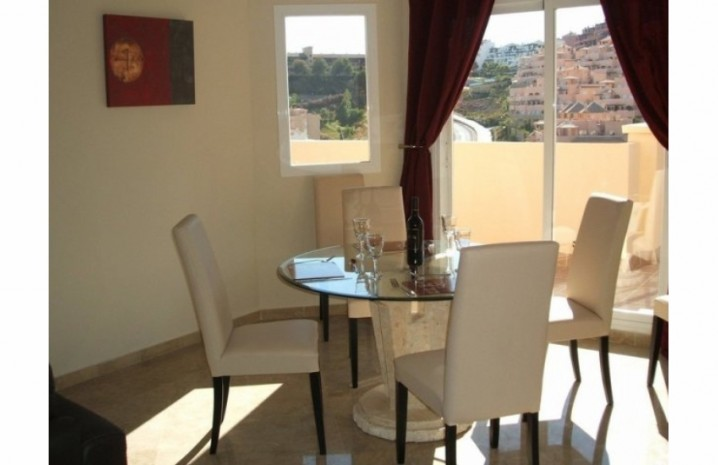 Penthouse In Calahonda - 7 - homeandhelp.com