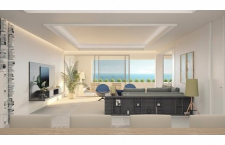 Beachfront Penthouse in Estepona - 10 - homeandhelp.com