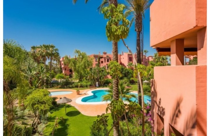 Beachfront Apartment In Los Monteros - 1 - homeandhelp.com