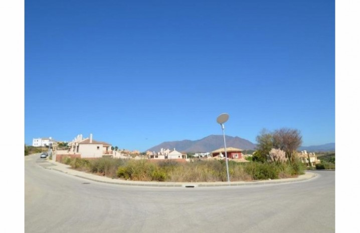 Residential Plot In Casares - 3 - homeandhelp.com