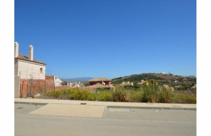 Residential Plot In Casares - 4 - homeandhelp.com