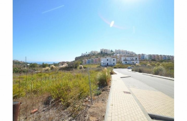 Residential Plot In Casares - 7 - homeandhelp.com