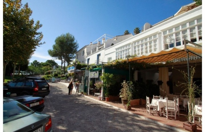Andalucian Townhouse In Benahavis