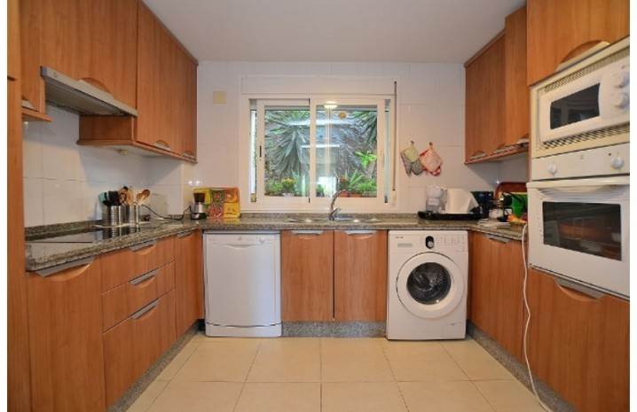 Apartment In Torrequebrada - 9 - homeandhelp.com