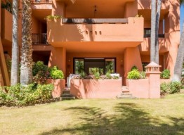 Apartment in Nueva Andalucía - homeandhelp.com
