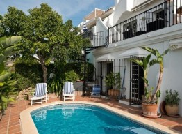Townhouse In Nueva Andalucia - homeandhelp.com