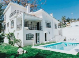 Renovated Villa In Nueva Andalucia - homeandhelp.com