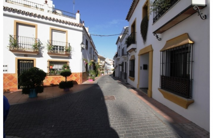 Plot In Estepona - 3 - homeandhelp.com