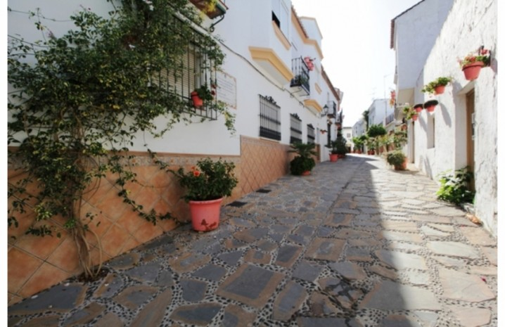 Plot In Estepona - 5 - homeandhelp.com