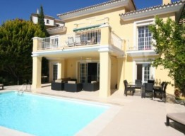 Frontline Golf Villa in Elviria - homeandhelp.com