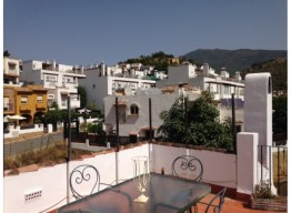 Andalucian Townhouse In Benahavis - homeandhelp.com