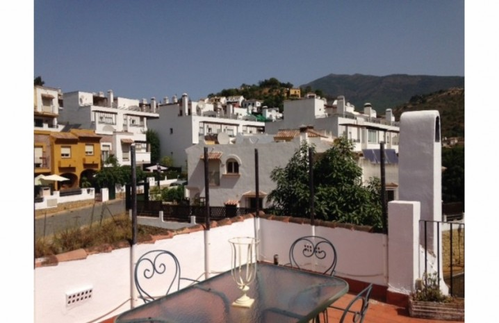 Andalucian Townhouse In Benahavis - 1 - homeandhelp.com