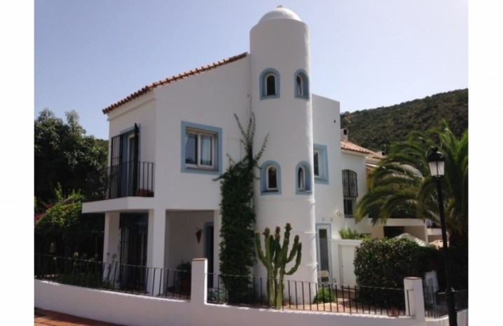 Andalucian Townhouse In Benahavis - 3 - homeandhelp.com