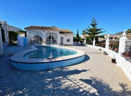 1 Level Villa In Arroyo De La Miel - homeandhelp.com