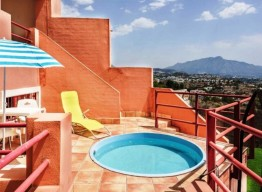 Family Townhouse In Benahavis - homeandhelp.com