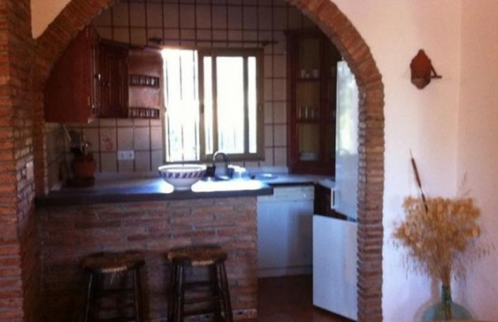 4 Bedroom Townhouse With A Pool In Sabinillas - 7 - homeandhelp.com