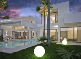 Contemporary Villa With Golf Views In Guadalmina Baja - homeandhelp.com