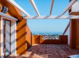 Townhouse With Panoramic Views In Benahavis - homeandhelp.com