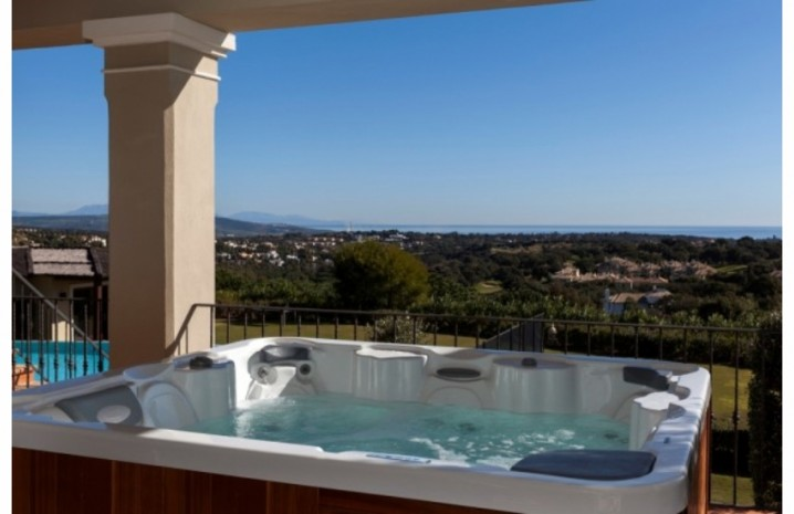Villa With Golf Views In Sotogrande - 3 - homeandhelp.com