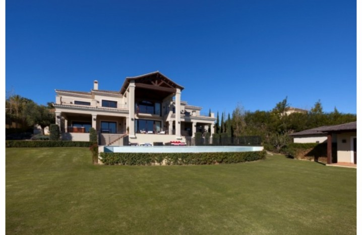 Villa With Golf Views In Sotogrande - 4 - homeandhelp.com