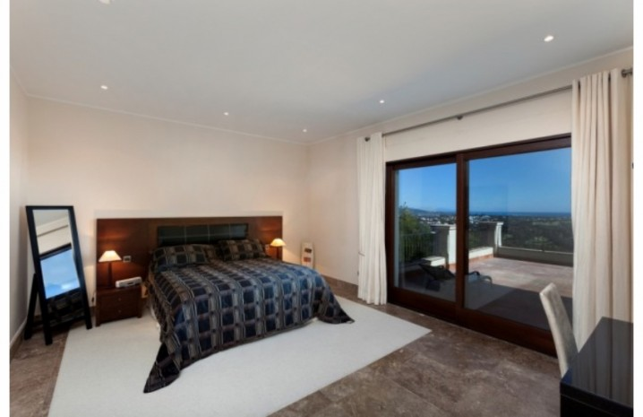 Villa With Golf Views In Sotogrande - 11 - homeandhelp.com