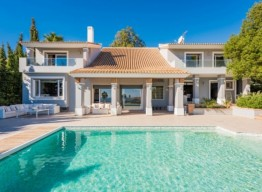 Luxurious Villa In La Paloma De Manilva - homeandhelp.com