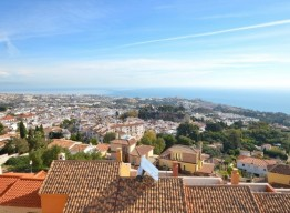 Townhouse With Sea Views In Benalmadena Pueblo - homeandhelp.com