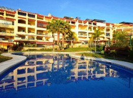 Ground Floor Apartment With Seaviews In Benalmadena Costa - homeandhelp.com
