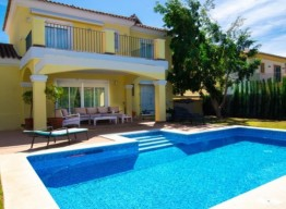 Villa in Elviria - homeandhelp.com