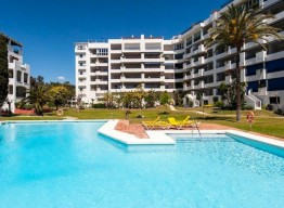 2 Bedroom Apartment In Las Terrazas de Banus - homeandhelp.com