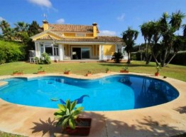 2nd Beach Line Villa in Elviria - homeandhelp.com