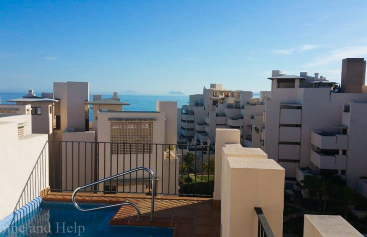 Fantastic penthouse with private pool! - 4 - homeandhelp.com