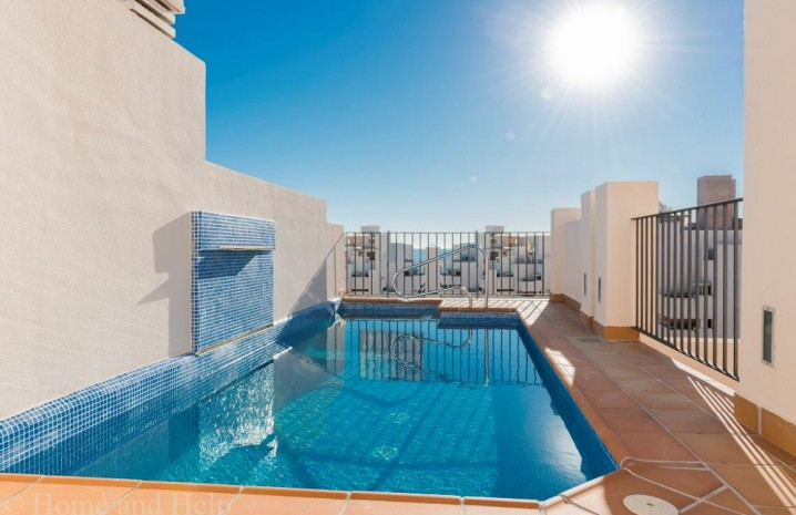 Fantastic penthouse with private pool! - 3 - homeandhelp.com