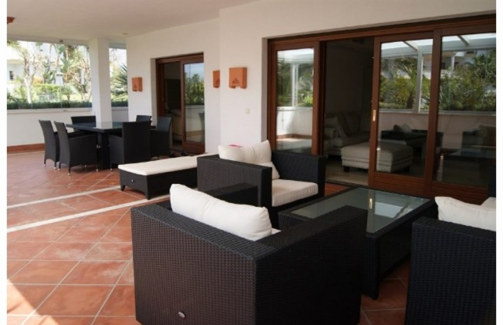 Apartment With Private Garden In Marbella - 1 - homeandhelp.com