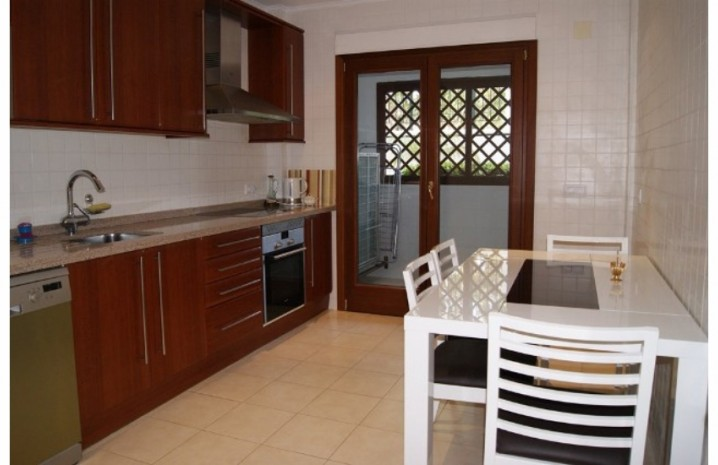 Apartment With Private Garden In Marbella - 2 - homeandhelp.com