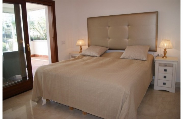 Apartment With Private Garden In Marbella - 4 - homeandhelp.com